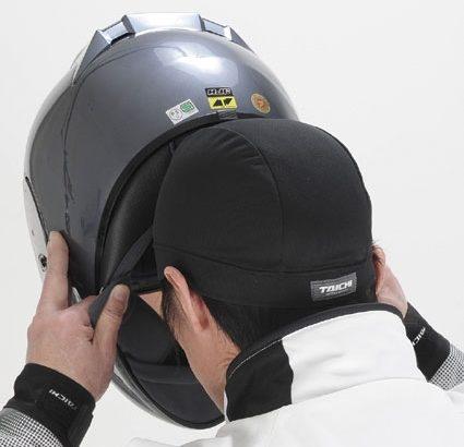 對抗汗水、異味、頭髮崩塌!建議您在安全帽下放內帽!